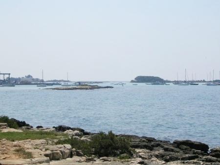 Vista del porto e dell'Isola dei Conigli